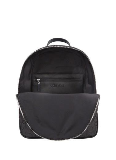 Calvin Klein Logo Desenli Kadın Sırt Çantası Siyah